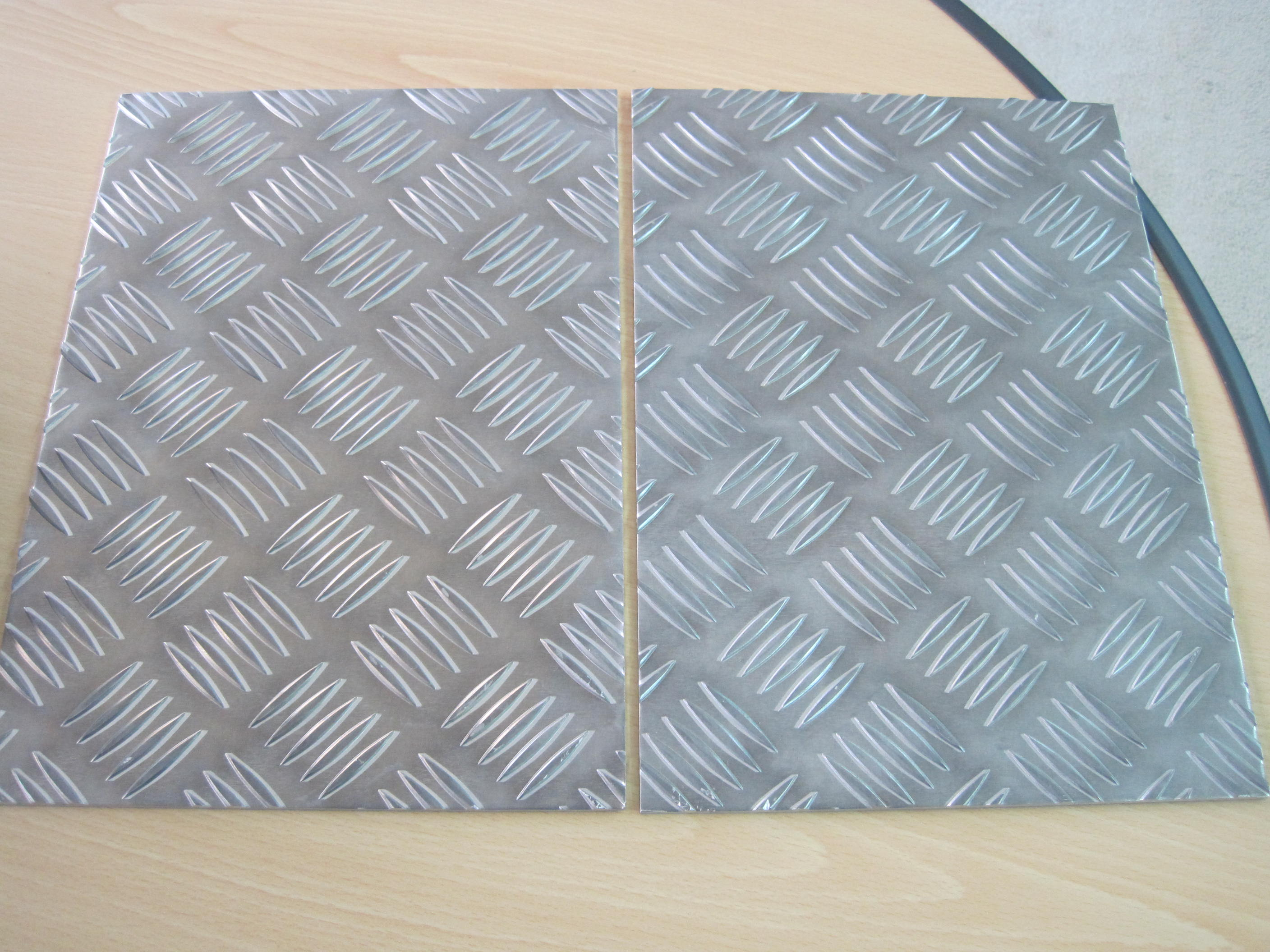 5-bar Aluminum Tread Plate